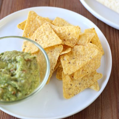 guacamole-and-chips
